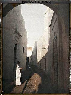 Kahn autochrome | Le port et de la porte de la Marine, Essaouira, Maroc, 20 juin 1926