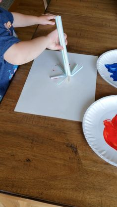 Do fun straw firework painting for a of july craft for kids. Do fun straw firework painting for a of july craft for kids. 4th July Crafts, Fourth Of July Crafts For Kids, Patriotic Crafts, Daycare Crafts, Baby Crafts, Toddler Art, Toddler Crafts, Preschool Crafts, Kids Crafts