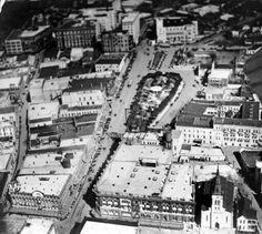 Ca 1919 - Aerial view of Dullnig Building, Joske Brothers Department Store and St. Photo shows view looking north with Dullnig. Commerce Street, Downtown San Antonio, Republic Of Texas, Old Post Office, Texas History, Aerial View, Catholic, Department Store, City