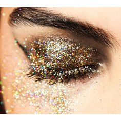Palette 9 Fards a Paupieres Ombres Irisees Glitter Paillette Makeup #1 beaute-beauty.com #fards #palette #makeup #maquillage #yeux #beauty #tips