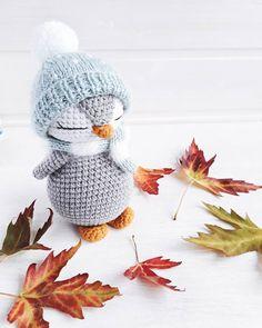 Mesmerizing Crochet an Amigurumi Rabbit Ideas. Lovely Crochet an Amigurumi Rabbit Ideas. Crochet Penguin, Crochet Patterns Amigurumi, Amigurumi Doll, Crochet Dolls, Crochet Bunny Pattern, Easy Crochet Projects, Crochet Crafts, Tutorial Amigurumi, Rabbit Crafts