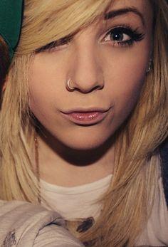Cute Nose Piercing ~ http://tattooeve.com/nose-piercing-ideas/ Piercing