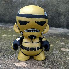Munny gold stormtrooper, #munny #starwars #stormtrooper #diy #toyart #brasil #posca