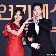 Kim So hyun and Jang Dong Yoon Kim Sohyun, Korean Drama Movies, Best Couple, Kdrama, Actors & Actresses, Disney Characters, Fictional Characters, Snow White, How To Memorize Things
