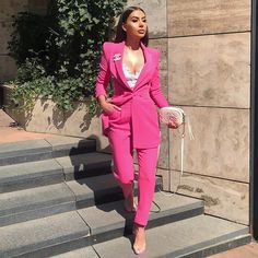 Women S Fashion Trends Suit Fashion, Work Fashion, Fashion Dresses, Fashion Looks, Classy Outfits, Chic Outfits, Pink Suits Women, Look Rose, Mode Ootd