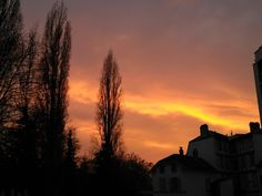 Sunset in Mulhouse. The sky is on fire. No filters applied.  #Mulhouse #france #francia #nature #naturaleza