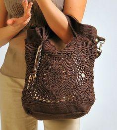 Talisman - crochet bag - free diagrams - Есть схема вязания сумочки, а описание, кажись, на итальянском.
