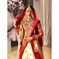 Not your average dulhaniya 👰🏻👁 What do you guys think of this major step drishti took? To know more tune into to watch… Indian Wedding Bride, Indian Wedding Outfits, Bridal Outfits, Indian Bridal, Indian Outfits, Bridal Dresses, Wedding Attire, Banarasi Lehenga, Half Saree Lehenga