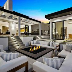 Masters of Luxury - Est. Mansions Homes, Luxury Mansions, Real Estate Houses, Living Room Grey, Big Houses, Home Fashion, Luxury Homes, Beautiful Homes, Sweet Home