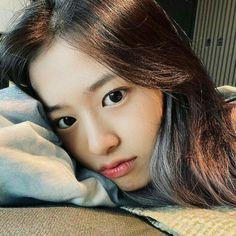 Boy Idols, Yu Jin, Japanese Girl Group, Girl Reading, Kim Min, 3 In One, The Wiz, Classy Outfits, Kpop Groups