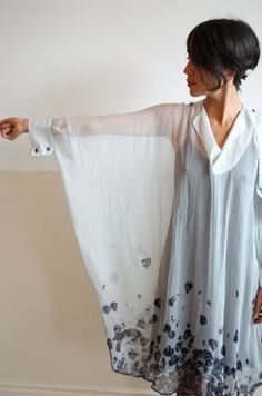 I would love to try this using upcycled parts of mens shirt abd border print fab - Weird Shirts - Ideas of Weird Shirts - I would love to try this using upcycled parts of mens shirt abd border print fabric. Diy Fashion, Fashion Outfits, Womens Fashion, Fashion Design, Diy Clothing, Sewing Clothes, Diy Vetement, Mode Inspiration, Refashion
