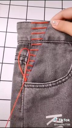 Diy Jeans, Sewing Jeans, Sewing Clothes, Diy Clothes Life Hacks, Diy Clothes And Shoes, Clothing Hacks, Sewing Basics, Sewing Hacks, Sewing Tutorials