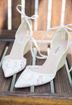 Pretty shoes: http://www.stylemepretty.com/little-black-book-blog/2015/03/24/elegant-garden-inspired-summer-wedding/ | Photography: Karen Wise - http://karenwise.com/