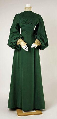 Worth walking dress 1902