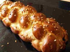 Vánočka (recept + videonávod jak uplést vánočku) | Recepty Empanadas, Christmas Sweets, Baked Potato, Quiche, Muffin, Food And Drink, Bread, Baking, Breakfast