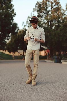 unlmtd:  Who needs these worn out shoes anyways (by Peter Adrian) its like a Modern Elf Fashion More Male Fashion HERE