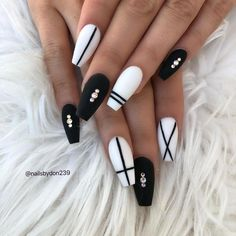 White Nail Designs Collection black and white nail designs White Nail Designs. Here is White Nail Designs Collection for you. White Nail Designs perfect white glitter nail art designs for women in White . Black Coffin Nails, Matte Black Nails, Blue Nails, Black And White Nail Designs, Black And White Nail Art, Glitter Nails, Acrylic Nails Coffin Matte, Long Black Nails, Nail Pink