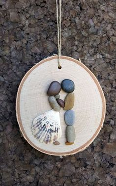 Seashell Crafts, Beach Crafts, Diy Home Crafts, Kids Crafts, Stone Pictures Pebble Art, Stone Art, Stone Crafts, Rock Crafts, Christmas Pebble Art