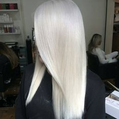 * Frozen Blonde... another one from Oz by our friend @hairbytashalouisec at @hairandharlow #frozenblonde #platinumblonde #behindthechair