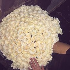 White roses for the lady. #feelinghappy #roses #luxury