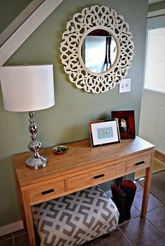 creating an entry way with thrifted stuff...and maybe Homegoods.