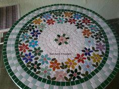 Carretel de madeira... após tratamento da madeira, revesti em mosaico de flores. 65 cm de diâmetro por 57 de altura com rodinhas para melhor movimentação, by Sueli Cemin