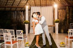 foto casal após cerimônia de casamento. Foto: Paladini Fotografia