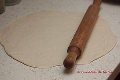 Am fost foarte incantata cand am vazut pe site-ul Laurei Laurentiu concursul Bloggospodina. Dupa mai multe variante, m-am decis sa fac tarta... Rolling Pin, Rolls, Pie, Bread Rolls, Bunny Rolls
