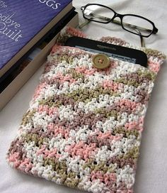Hand Crocheted Kindle Kover by AngelsWingsCreations on Etsy, $10.00