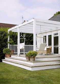 should we use a pergola to better define the open platform deck without losing sun and light access?
