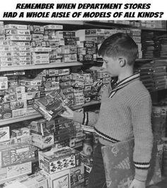 Living in a Retro World Plastic Model Kits, Plastic Models, Vintage Models, Vintage Toys, Vintage Games, Boy Models, My Childhood Memories, 1970s Childhood, Childhood Toys