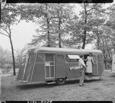 Kozy Coach Company, trailer exterior, with man and woman :: Ward Morgan Photography, Southwest Michigan 1939-1980