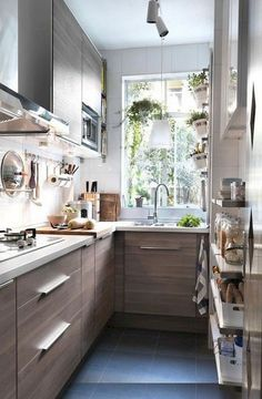 Awesome Tiny House Kitchen Decor Aufbewahrungsideen Awesome Tiny House Kitchen Decor Storage IdeasAwesome Tiny Kitchen Design For Your Beautiful Inspiring Storage Hacks for Tiny House –Gina Landes – Tiny House for Sale in… Kitchen Colors, Kitchen Layout, Diy Kitchen, Kitchen Storage, Kitchen Decor, Kitchen Cabinets, Kitchen Ideas, Ranch Kitchen, Awesome Kitchen