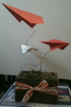Airplane centerpieces. Travel Centerpieces, Party Centerpieces, Centrepieces, Aviation Wedding, Aviation Theme, Going Away Parties, Airplane Party, Baby Shower Decorations For Boys, Travel Party