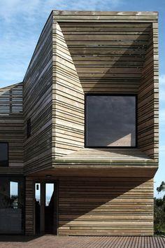Dit huis ligt in Tunquén in Chili en is gerenoveerd door de architecten José Ulloa Davet en Delphine Ding.