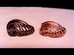 Rings Selber Machen Simple wire wrap ring tutorial : Anello a spirale - conchiglia - Wire Rings Tutorial, Wire Tutorials, Ring Tutorial, Jewelry Making Tutorials, Copper Jewelry, Wire Jewelry, Craft Jewelry, Wire Earrings, Jewellery