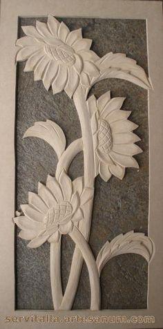 Cuadro girasoles tallado en madera - artesanum com Clay Wall Art, Clay Art, Chip Carving, Wood Carving, Clay Crafts, Wood Crafts, Whittling Wood, Pooja Room Design, Fruit And Vegetable Carving