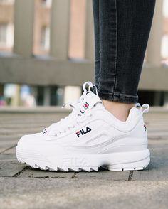 new style a8e2c 2beac Tendance Chausseurs Femme 2017 - The beast is back! Disruptor II by FILA.