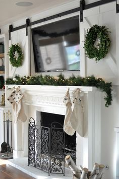 Fantastic Free of Charge Fireplace Mantels with tv above Tips Elegant Corner Fireplace Ideas & Designs for Your Home 2019 Farmhouse Fireplace, Home Fireplace, Fireplace Remodel, Fireplace Design, Farmhouse Decor, Above Fireplace Decor, Fireplaces With Tv Above, Above Tv Decor, Farmhouse Style