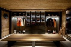 Is it possible to obtain a luxurious look in a chalet at the mountain? Bo Design studio succeeded to realize this for the interiors of the Chalet Cyanella located in Megève, French Alps. The house … Chalet Design, Chalet Chic, Chalet Style, Alpine Chalet, Ski Chalet, Modern Mountain Home, Mountain Homes, Mountain Cabins, Mountain Style