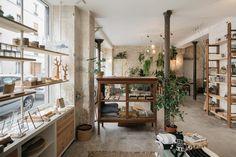 Welcome Bio Paris (restaurant + Concept Store) Concept Store Paris, Concept Shop, Concept Stores, Retail Interior, Cafe Interior, Interior Design, Interior Sketch, Cafe Design, Vegetal Concept