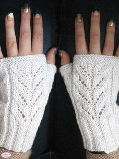 For the Future Bride Mitts - knotions - Verena Hank - For the Future Bride Mitts - knotions Free knitting pattern for fingerless mitts with a simple lace motif on the hand. Uses a thin metallic yarn held with the main yarn to give it some bling. Knitted Mittens Pattern, Crochet Mittens, Crochet Gloves, Knitting Designs, Knitting Patterns Free, Hat Patterns, Knitting Tutorials, Stitch Patterns, Lace Knitting