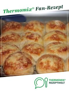 Cheese rolls with feta filling from kajebandits. A Thermomix recipe from the baking category at www.de the Thermomix Community. The post Cheese rolls with Feta filling appeared first on Tasty Recipes. Cheese Appetizers, Appetizer Recipes, Simple Appetizers, Seafood Appetizers, Party Appetizers, Bbq Catering, Cheese Rolling, Le Diner, Spaghetti Recipes