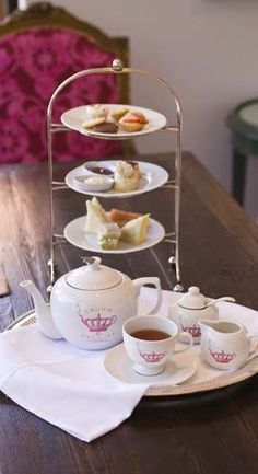 I had the best afternoon with some girlfriends and Crown and Crumpet Tea Salon in San Francisco. I'm dying to go back and buy one of their gorgeous tea sets. The online store is coming soon!