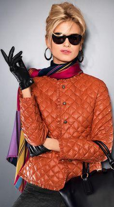 #HayMuchoQueVer #Sunglasses #glassesobsessed #beautiful #fashionEyewear
