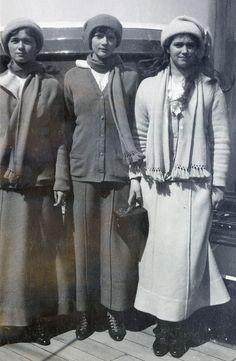 Olgatatianamarie1914.jpg (2128×3264)  Grand Duchesses Olga, Tatiana and Maria aboard the imperial yacht in 1914. Courtesy: Beinecke Library.
