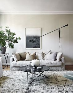 a neutral, earthy home living room Minimal Furniture, Scandinavian Home, Earthy Home, Living Room Scandinavian, Home Decor, House Interior, Living Room Inspiration, Interior Design, Scandinavian Design Living Room