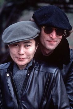 John Lennon and Yoko Ono John Lennon Yoko Ono, John Lennon Paul Mccartney, Les Beatles, John Lennon Beatles, John Lenon, George Martin, The Fab Four, Thing 1, Ringo Starr