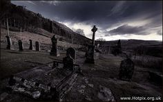 Een van de meest bijzondere begraafplaatsen. Het graf van Rob Roy in Balquhidder, Schotland.