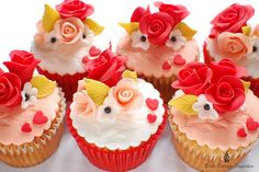 Valentine's Day is fast approaching. These combine my two favorite things: baked goods & romantic gestures.